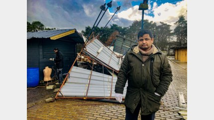 Storm vernielt kraam op Zwarte Markt