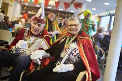 """In dit rusthuis heerst een carnavalskoppel: """"Het is een microbe die je niet kan bestrijden"""""""