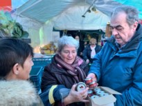 """Houthalense weggeefwinkel deelt kaviaar uit: """"Ook kansarmen hebben recht op luxeproducten"""""""