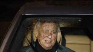 Koning stuurt liberaal duo Dewael en Laruelle politiek mijnenveld in