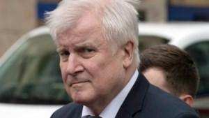 Minister Seehofer wil veiligheidsmaatregelen versterken in Duitsland na schietpartijen