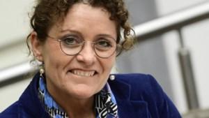 Vlaamse ministers lieten zich samen drie keer de wereld rondrijden op nog geen drie maanden tijd