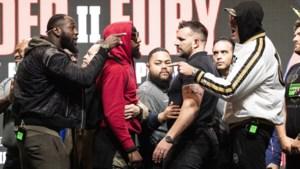 """Wilder en Fury kampen in """"boksmatch van het jaar"""" om titel bij zwaargewichten: ticketprijzen stijgen tot 11.000 dollar"""
