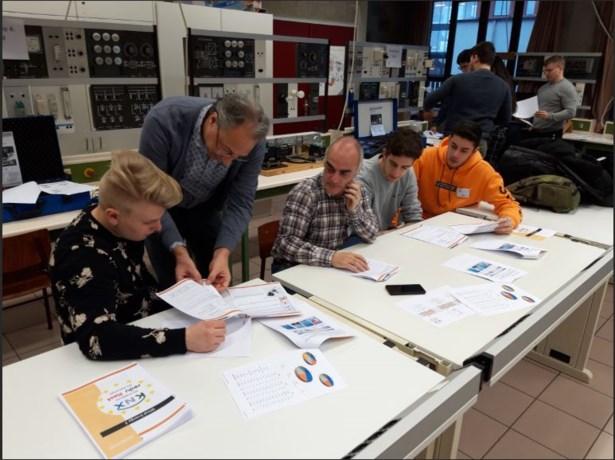 Spaanse en Finse leerlingen bezoeken Campus Hast