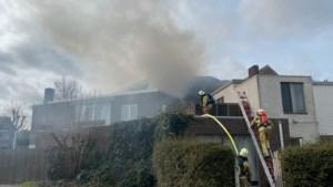 Appartementsbrand in Veldwezelt: verkeer richting Maastricht moet om rijden