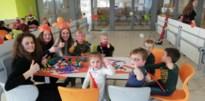 Leerlingen 6 STW organiseren carnavalsbal