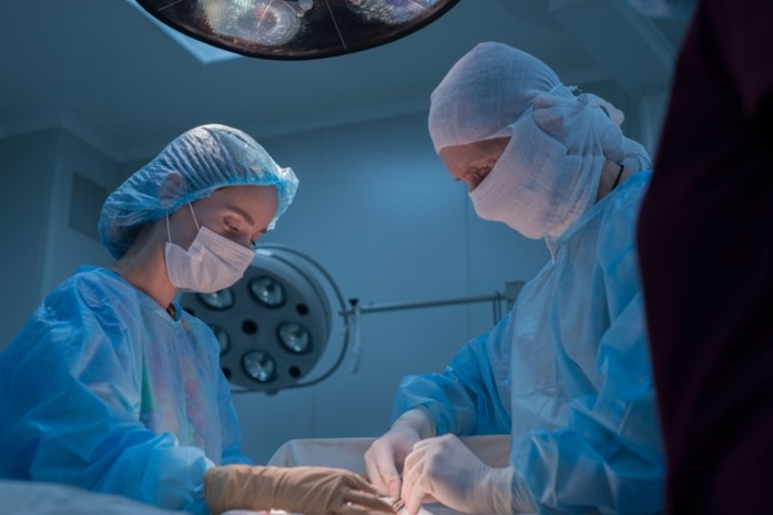 Vrijspraak voor neurochirurg die kleine kompressen achterliet bij ingreep om hersentumor te verwijderen