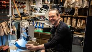 Deze Hasseltse schoenmaker herstelt als eerste sneakers