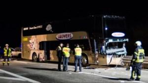 Belgische bus vol buschauffeurs betrokken bij dodelijk ongeval met spookrijder in Duitsland