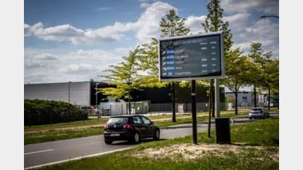"""Voortaan sneller naar parkeerplaats in Hasselt: """"Slimme parkeergeleiding is de toekomst"""""""