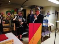Burgemeester overhandigt sleutel aan prins Christophe I en prinses Rosita