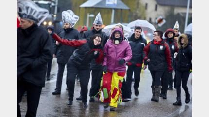 Bekijk hier de foto's van de carnavalstoet in Kanne
