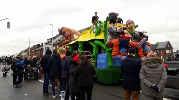Weergoden Rekem toch gunstig: carnavalsstoet voor 12.500 bezoekers