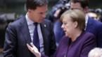 """Merkel ergert zich aan """"kinderachtige"""" Rutte"""