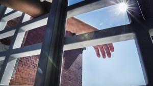Brugse gevangenen eisen 500 euro pér stakingsdag zonder wandeling of douche