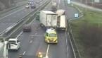Vrachtwagens botsen op de Nederlandse A2: snelweg tijdelijk dicht ter hoogte van Echt