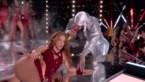 """Meer dan 1.300 klachten na """"pornografische"""" show van Shakira en J-Lo op Super Bowl"""