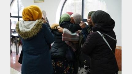 Meer dan 350 mensen nemen afscheid van dode asielzoekster Shamsa