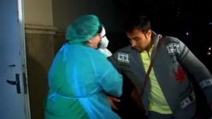 Patiënt ontsnapt uit quarantaine door coronavirus en geeft interview… tot de dokters hem te pakken krijgen