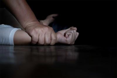 """Vrouw vier keer verkracht in haar eigen woning: """"Tussendoor snoof hij cocaïne"""""""