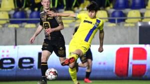 HERBELEEF. Kanaries verliezen door blunderende keeper en scorende ex-STVV'er, Mechelen springt weer over Genk