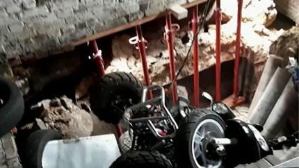 Bromfiets en quad gaan de dieperik in na grondverzakking in Tongeren