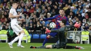 Thibaut Courtois evenaart mijlpaal uit de tijd van Johan Cruijff en wordt geprezen in Spanje