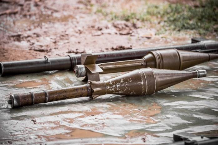 Raketwerper, landmijnen en granaten: politie vindt oorlogswapens bij Kampse ex-para
