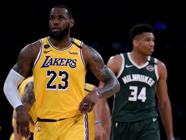 Los Angeles Lakers winnen de absolute topper tegen Milwaukee, Lebron klopt Giannis