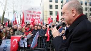 Erdogan gaat top over migranten aan de Turkse grens houden