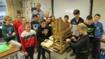Kind en Orgel in basisschool De Krinkel in Riemst centrum