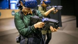 DOEN. Virtuele zombies afknallen met een VR-bril op je neus