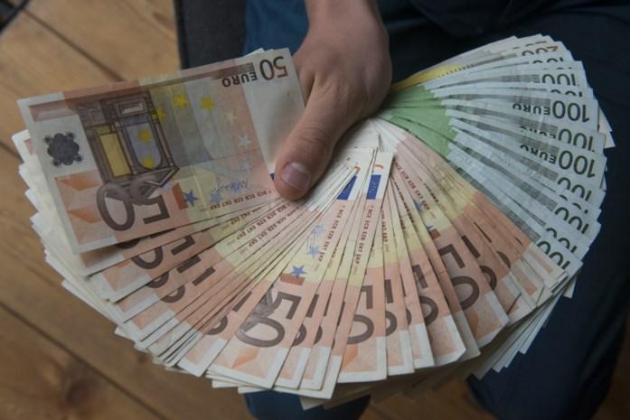Dertigers zijn uit op 'emmers vol geld' en krijgen tot 18 maanden voor gewapende ripdeal