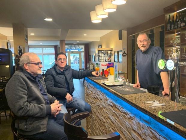 """Caféklanten over sluiting horeca: """"Dan maar thuis blijven en geen gat in mijn budget"""""""