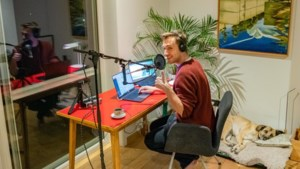 Qmusic-dj Sam De Bruyn preventief in quarantaine, maar toch ochtendshow