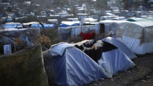 Kind omgekomen bij grote brand in vluchtelingenkamp Lesbos