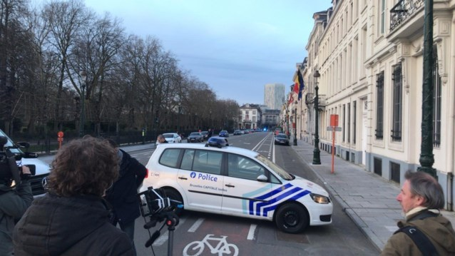 Verdacht voertuig vlakbij Amerikaanse ambassade in Brussel: vals alarm