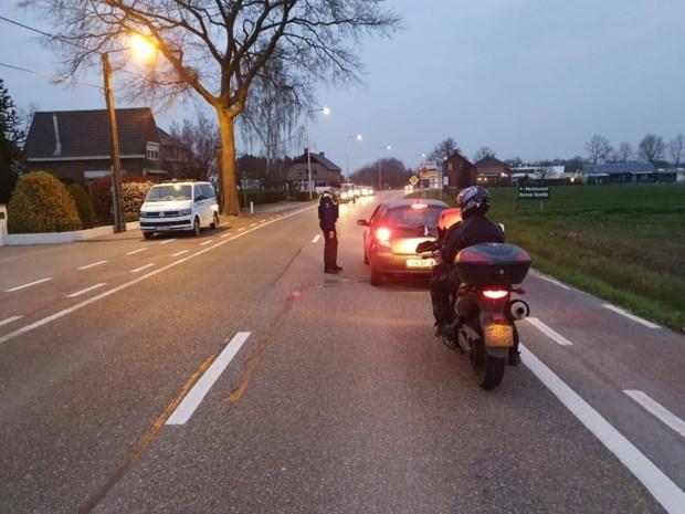 Grenscontroles in Kinrooi en Maaseik nadat burgemeesters aan alarmbel trekken