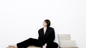 """Noémie Wolfs zingt solo na Hooverphonic: """"Was de actrice in film van iemand anders"""""""