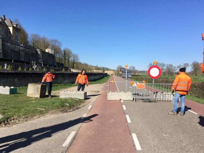 Burgemeesters barricaderen sluipwegen met betonblokken en nadarhekken