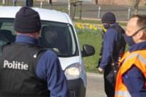 Voeren blokkeert sluiproutes en houdt twee grensovergangen met politiecontrole open