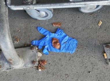 """Mensen gooien handschoenen op straat na winkelen: """"Boete tot 350 euro"""""""