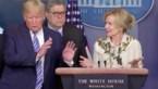 """""""Oh ow"""": Trump maakt zich razendsnel uit de voeten wanneer arts naast hem zegt dat ze koorts had"""
