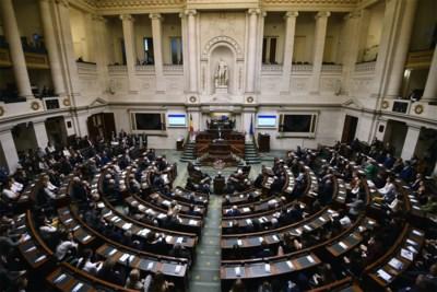 Licht op groen voor regering met volmachten, maar met controle van commissie