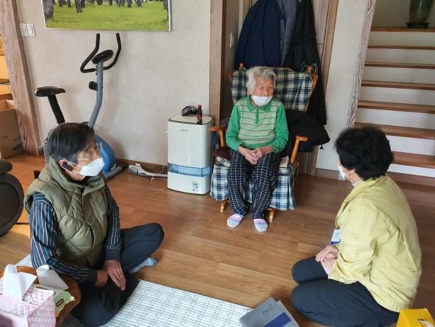 96-jarige Zuid-Koreaanse oma volledig hersteld van besmetting met coronavirus