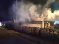 Pas gerenoveerde achterbouw van boerderij vernield door brand