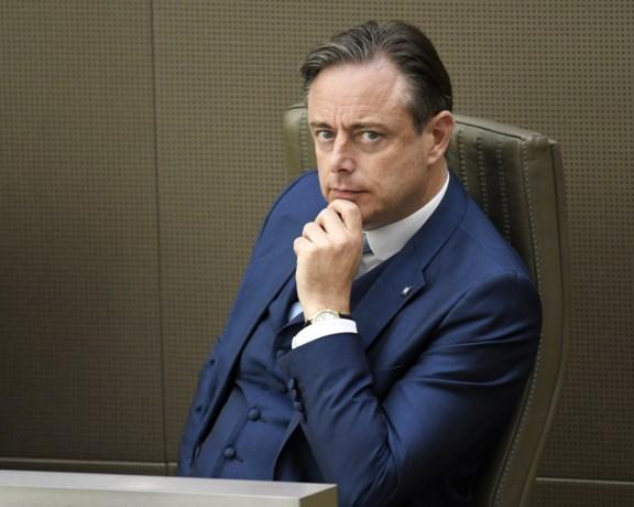 Bart De Wever eist samenscholings- en uitgangsverbod