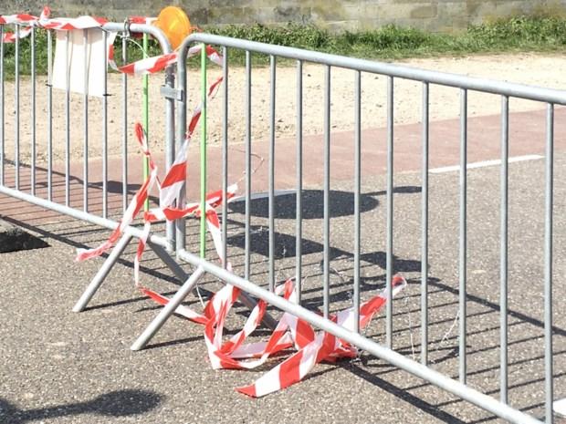 Vandalen vernielen afgesloten grensovergang in Kanne