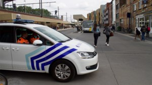 Koppel opgepakt voor spuwen naar politie Aalst, vrouw riep corona te hebben