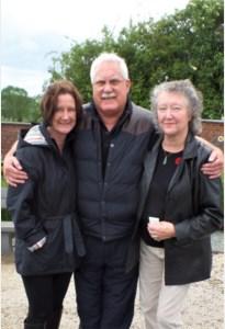 Ereburger Bill uit Australië, overleden aan corona, krijgt laatste rustplaats in Kanne